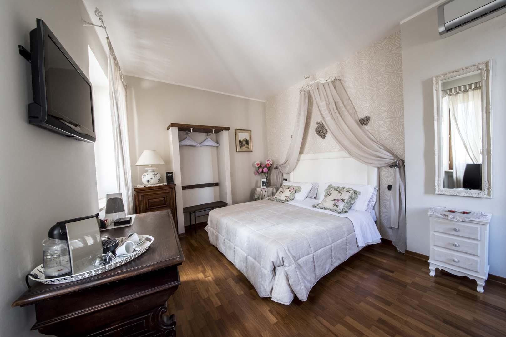 Room Deluxe 103